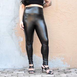 RESTOCKED💫 High waist faux leather leggings